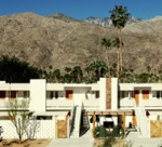 palmsprings-exterior-mountains